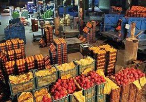 تنظیم بازار میوه در دست دلالان!